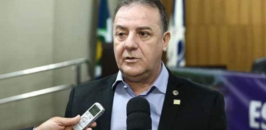 Deputado tem piora em quadro de Covid-19 e é transferido para UTI em Cuiabá