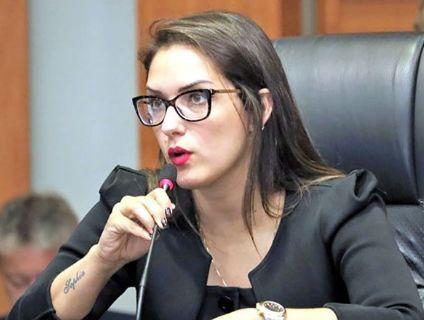 Janaina avalia que afastamento enfraquece projetos políticos de Emanuel (Crédito: Reprodução)