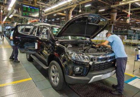 GM vai retomar produção em dois turnos em suas fábricas no Brasil (Crédito: Reprodução)