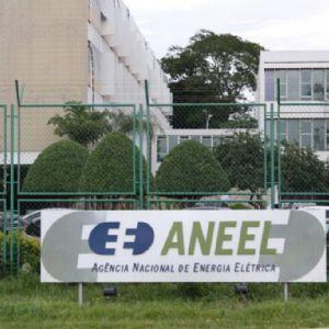 Deputados recorrem da decisão da Aneel que autorizou aumento de energia elétrica