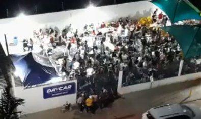Ex-vereador faz aglomeração em lava-jato